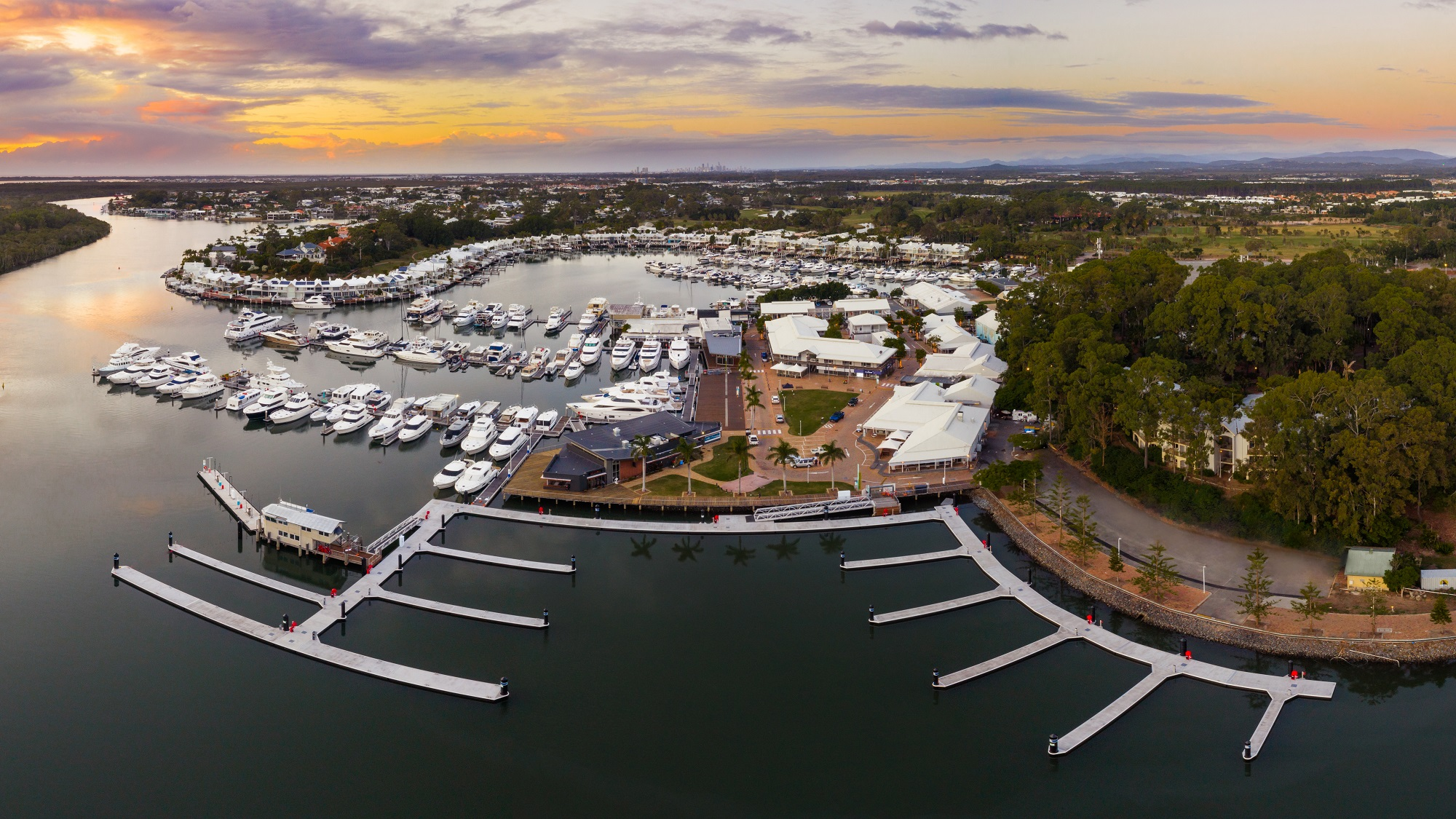 Sanctuary Cove Marina G H Piers
